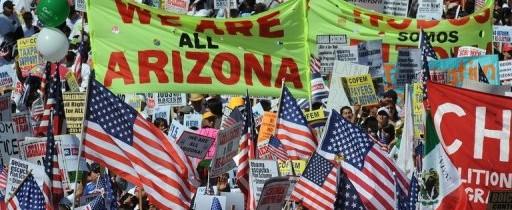 Benetton lanza campaña publicitaria de inmigrante indocumentado a gobernador de Arizona