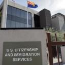 Suspenden vía prioritaria para tramitar visa H-1B