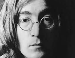 """Hace 40 años, John Lennon recibió la orden de abandonar USA, por ser """"un peligro"""" para el país"""