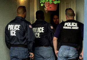 """ICE: """"Podemos detener a cualquier inmigrante"""""""