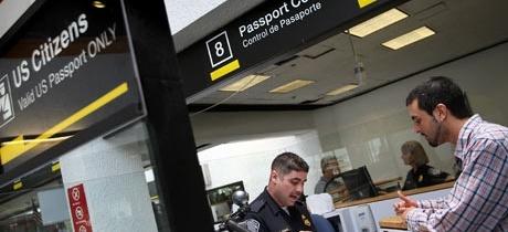Cámara de Representantes aprueba ley para endurecer controles de entrada a USA