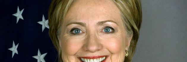 Hillary Clinton pide vía plena a ciudadanía para inmigrantes