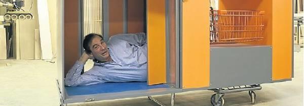 Premian a un argentino en USA por crear un refugio móvil para los sin techo