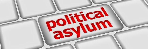Los permisos de trabajo para quienes piden asilo en USA ahora duran dos años