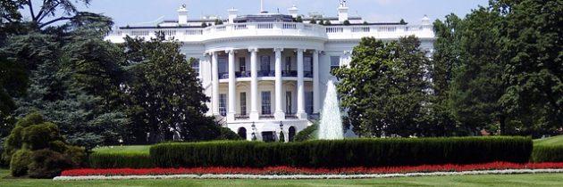 Por qué la Casa Blanca no puede dejar de usar el español